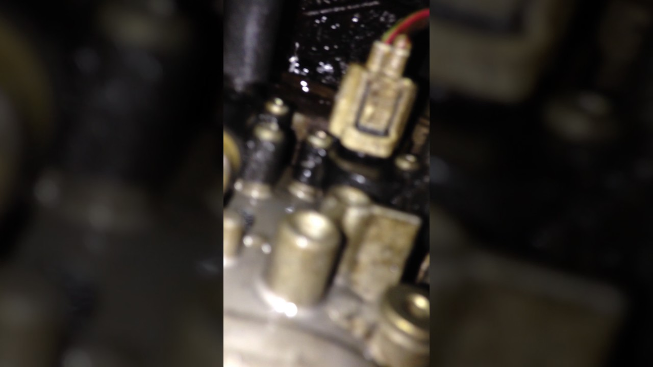 2001 F250 73l 4x4 Fuel Filter Housing Leak Youtube Ford F 250