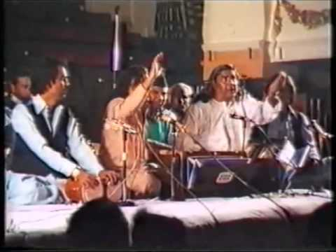 Ab Ke Saal Poonam Mein - Qawwali