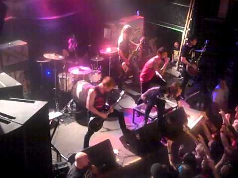 A Skylit Drive - Love the Way You Lie live in Raleigh NC