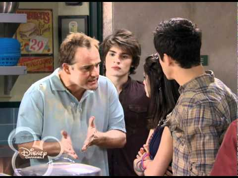 Wizards of Waverly Place - Alex Tells the World