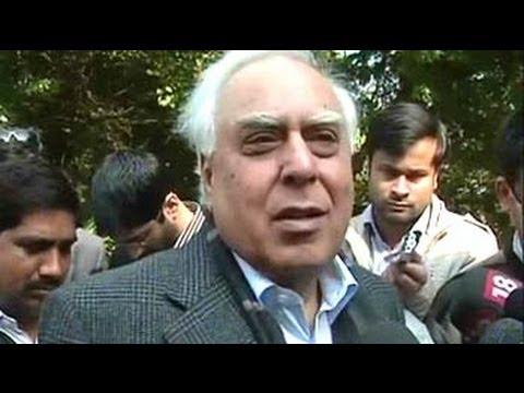 Sibal: Want constructive dialogue with social media