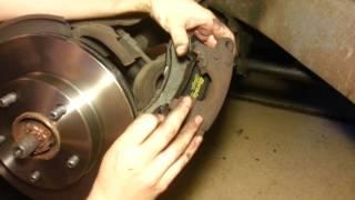 GIRLS CAN CHANGE BRAKES? 95 Chevy blazer Brake pad & rotor replacement.