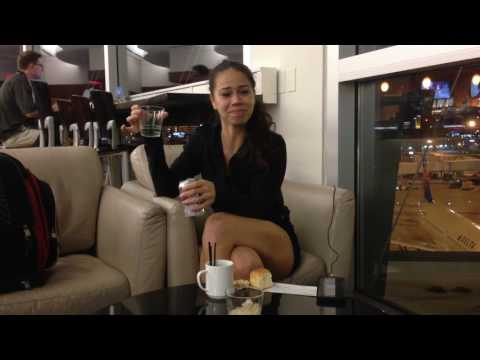 Getting Drunk in the United Club Lounge LOL! (Las Vegas, Nevada)