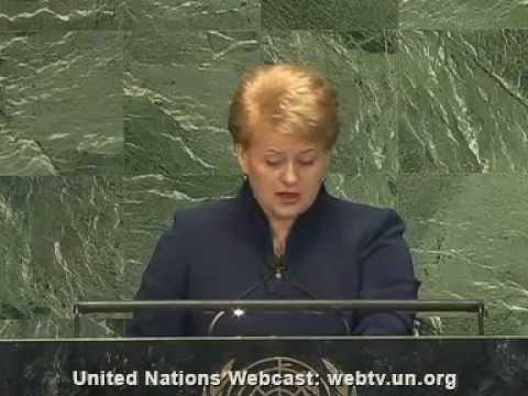 Dalia Grybauskaitė kalba angliškai