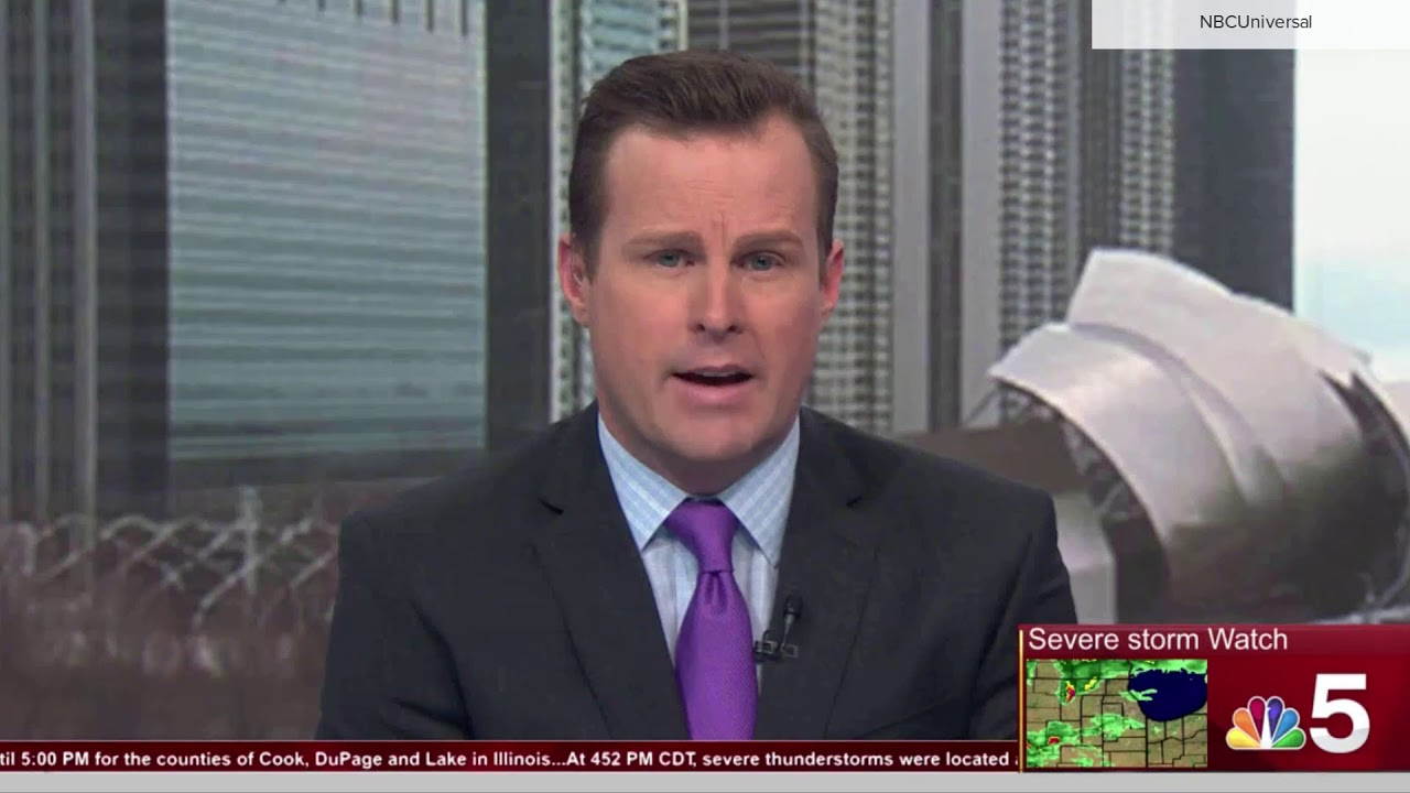 WMAQ Chicago Meteorologist Caught Without Pants On Air