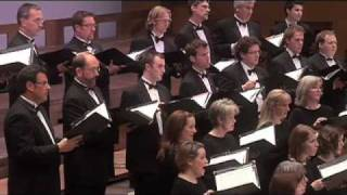 Eric Whitacre conducts