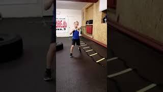 Бокс. Круговая тренировка на ноги для детей 8...9лет.отработка разножки.#фитбоксрыбинск #медведьбокс