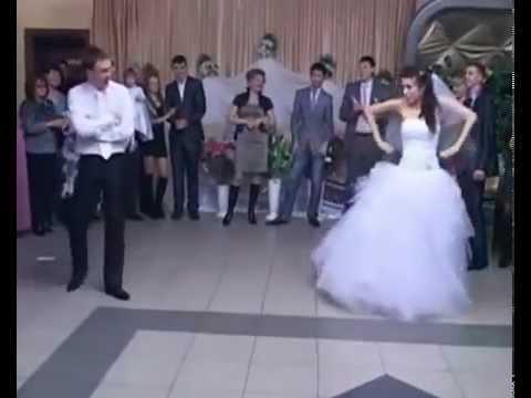 Видео: Жених с невестой зажигают.Свадебный танец 21-века