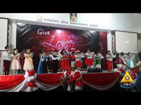 Christmas Program 2014 - Grade 1 to 3 Melodica Rendition