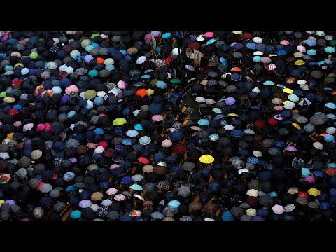 Hong Kong em massa contra o governo