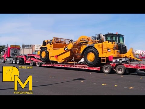 CATERPILLAR MACHINES LEAVING CONEXPO LAS VEGAS! BIG CLEANOUT AT CONVENTION CENTER #3
