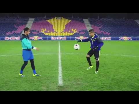 Freestyle football juggling battle   Neymar Jr vs Hachim Mastour   Reality Check LCl2UH00fhA