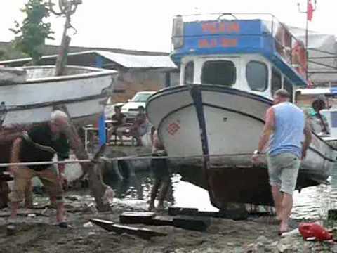 20100701_GeU slippt ein Fischerboot.wmv