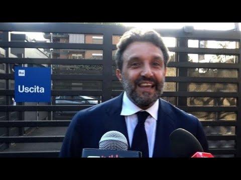 Flavio Insinna: l'addio ad Affari Tuoi, l'affetto dei concorrenti e l'Eredità di Frizzi. Intervist