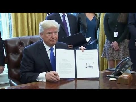 Trump signs executive order approving Keystone XL, Dakota Access pipelines