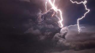 بركان الفلبين: لقطات مذهلة لبركان