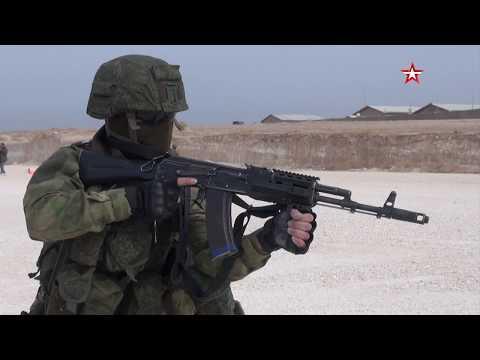 Российские военные зашли на брошенную базу США в Сирии