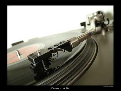 Lil Dicky - Pillow Talking feat. Brain (Official Music Video)Kaynak: YouTube · Süre: 10 dakika55 saniye