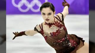 Евгения Медведева учится на тренера