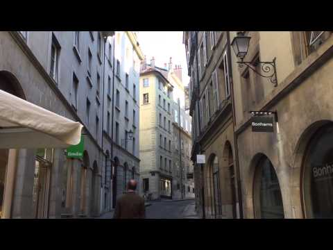 Taking a walk on the old city in Geneva