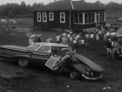 1961: Accident Involving 1960 Oldsmobile (4 door Holiday Sport Sedan)