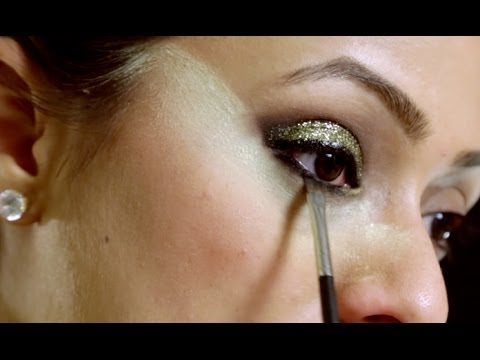 How to Apply Glitter Eyeshadow in Hindi