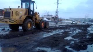 Сделали ремонт, аж трактор проехать не может, Волгоград!