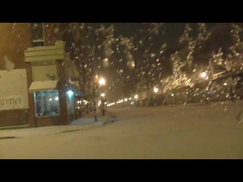 Driving Around In A Small Snow Storm!! Alpena Michigan Looks Like A Ghost Town 2017