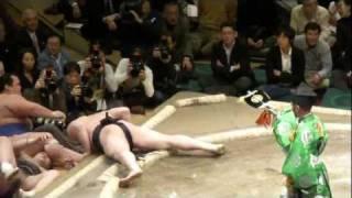 20120108 大相撲初場所 初日 日馬富士vs隠岐の海 日馬富士 初日から白星.