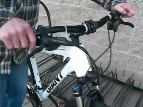 2012 Giant Roam 0 Hybrid Bicycle at Pat's 605 Cyclery in Norwalk - YouTube