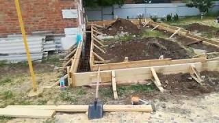 видео Строительство фундамента для пристроя к дому