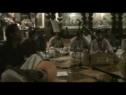 NY Eve Bhajan - Rasakeli dasi - Hare Krishna - 5/21