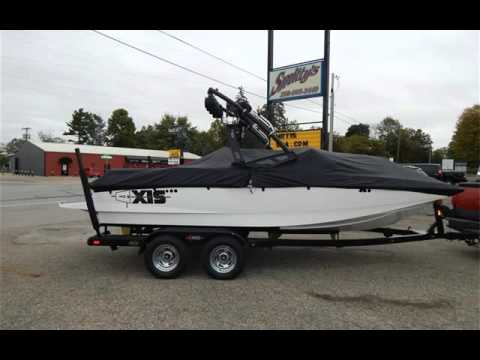 2013 AXIS WAKE RESEA AXIS for sale in Angola, IN