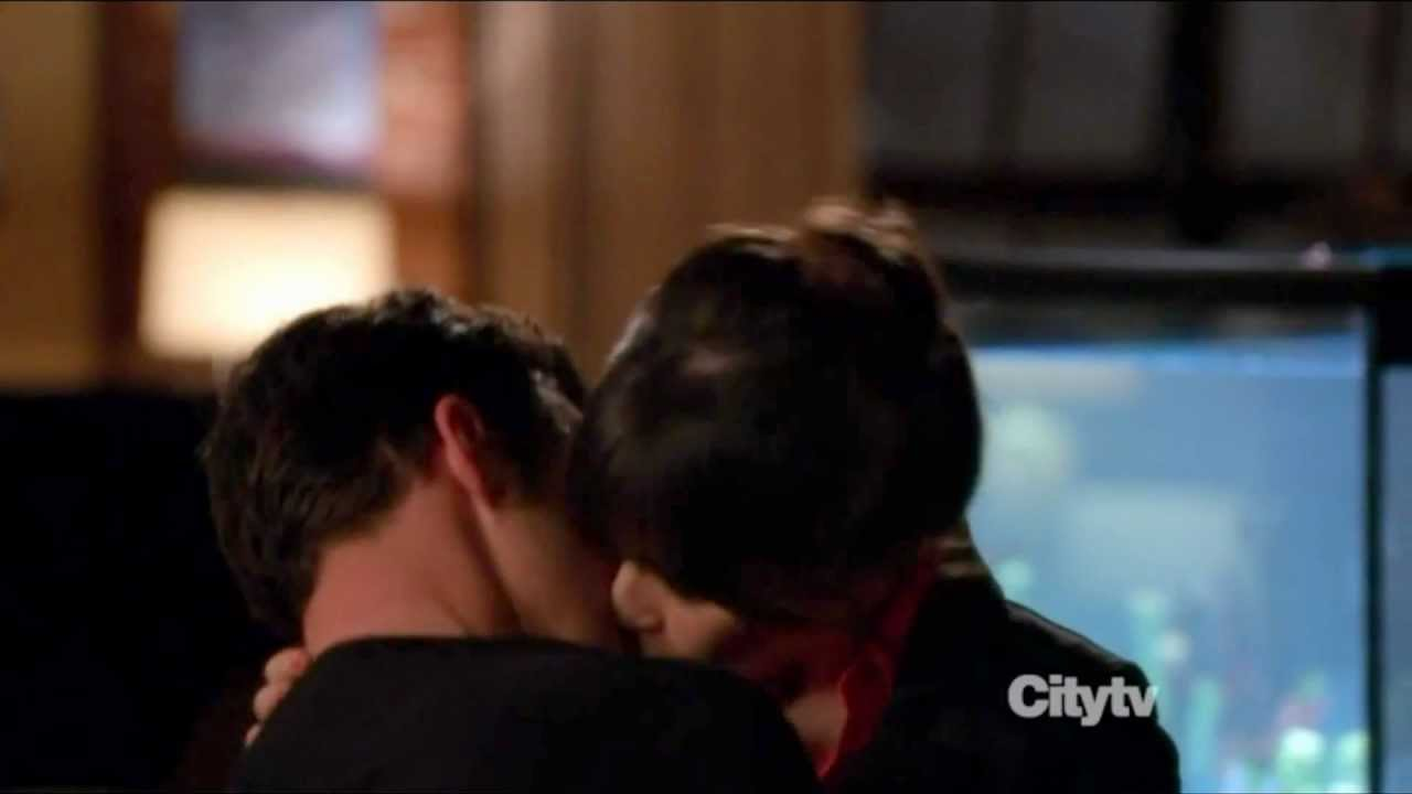 what episode to jess and nick kiss