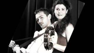 Eisai ena peristeri - Manos & Daphne
