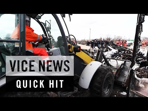Clashes as Calais Migrant Camp Demolished: VICE News Quick Hit