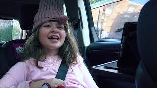 La niña con síndrome de Penélope