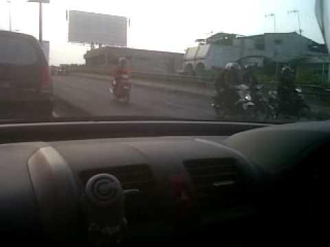 Paku Paku Di Jalanan Flyover Roxi Jakarta Barat 15 Oktober 2012