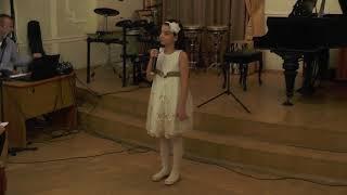 "Петросян Нанэ  читает стихотворение ""Маэстро музыки"". Автор Наталья Милованова"