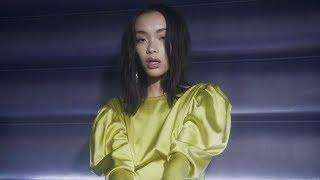 Смотреть клип Lexie Liu - Love And Run