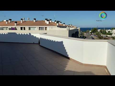 100 m2 penthouse with sea views and a 90 m2 terrace, Paseo Marítimo area