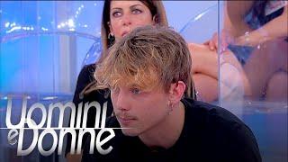 Guarda il video completo:https://www.wittytv.it/uomini-e-donne/giacomo-martina-non-sento-la-passione/?wtk=np.autopromo.uominiedonne.uominidonne.descri...