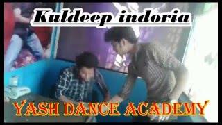 CHORI CHORI CHUPKE SE AAKE MERI ANKHON MAIN SAMAA JA ( yash dance acacdemy)