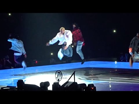 Chris Brown performs Ayo, Loyal & Play No Games  Party Tour 2017