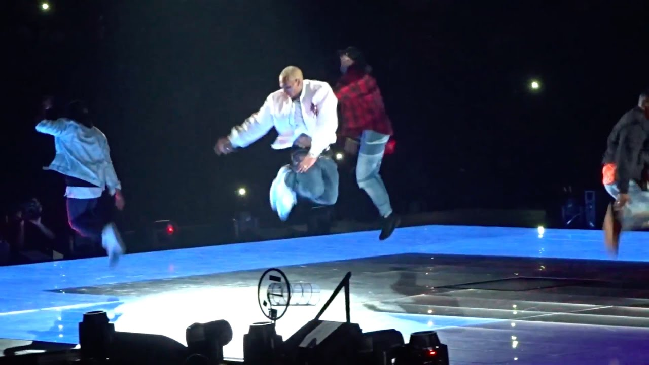 Chris Brown Performs Quot Ayo Quot Quot Loyal Quot Amp Quot Play No Games Quot Live