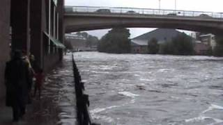The River Wear, Durham City in Flood 2009