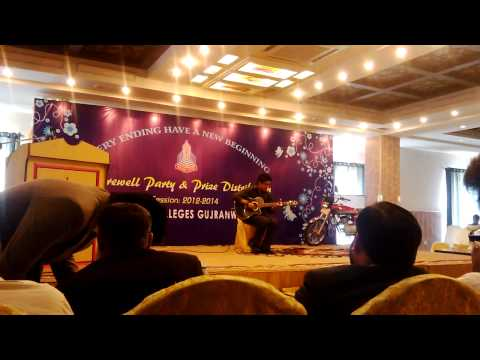 Gratitude of Amin toofani performed by Pakistani boy at College party