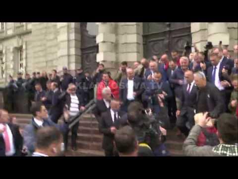 Momenti i lirimit të Ramush Haradinajt - 27.04.2017 - Klan Kosova