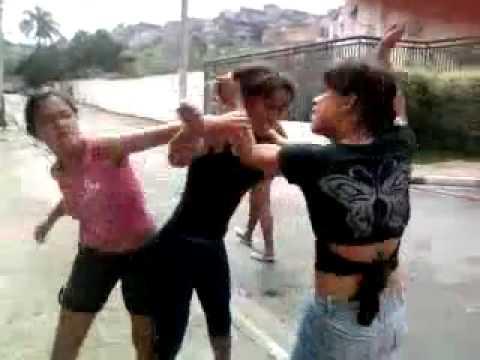 Драка на улице Девушки дерутся за волосы - YouTube