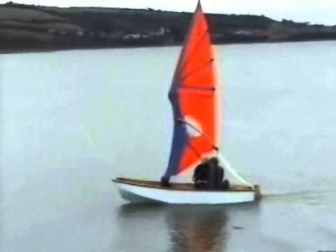 Надувная лодка под парусом своими руками